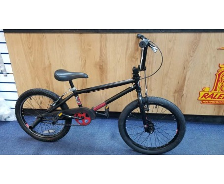 SOLD SOLD SOLD Second hand Diamondback BMX Black/Red for ages 6-10